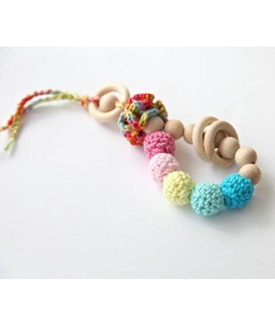 Jucărie din lemn și bumbac ecologic Nihama pentru joacă și alinarea durerilor de gingii - brățară Caleidoscope