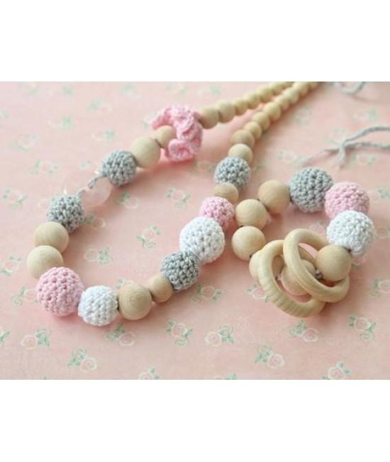 Set: Colier pentru alăptare/babywearing + jucărie din lemn, bumbac ecologic și piatră de Cuarț Roz Nihama Sakura