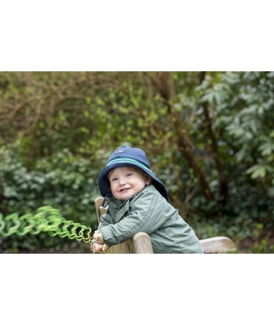 """Pălărie de soare cu boruri mari Pickapooh """"Pompier"""" cu protecție UV UPF80 din bumbac organic pentru copii - bleumarin"""